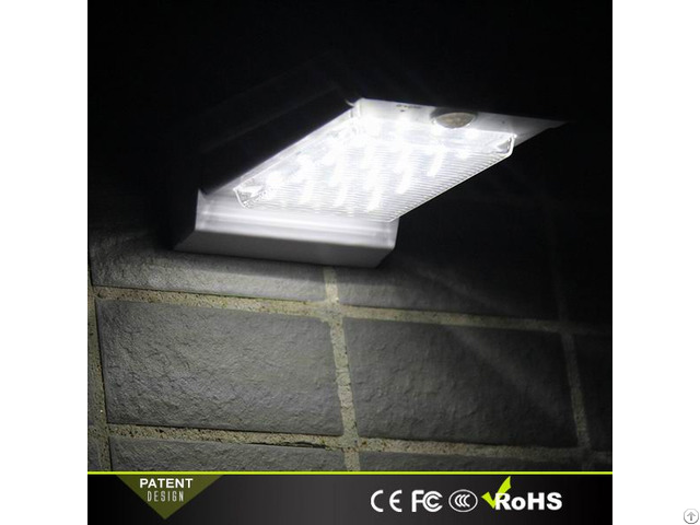 Wall Solar Light Lithium Ion Battery Rechargeable For Outdoor Lighting