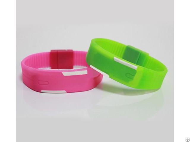 Rfid Silicone Wristband Tag Zt Ct 160830 09