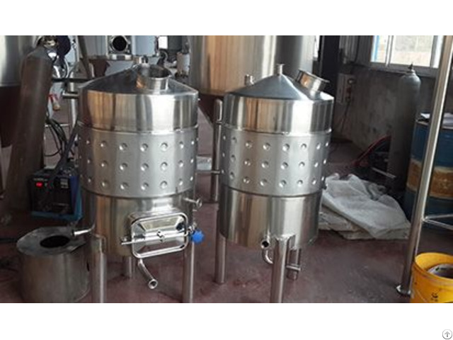 Wine Fermentation Tanks With Cooling Jacket