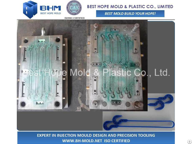 Iso9001 Certificated Infusion Hook Injection Mold Manufacturer
