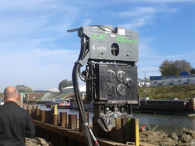 Used Vibro Hammer Ice 20 Rfw To Work On A Crane Or Piling Rig