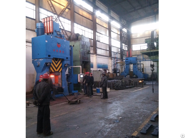 Motorcycle Parts Forge On Chinese Most Energy Saving Hydraulic Die Forging Hammer 4tons