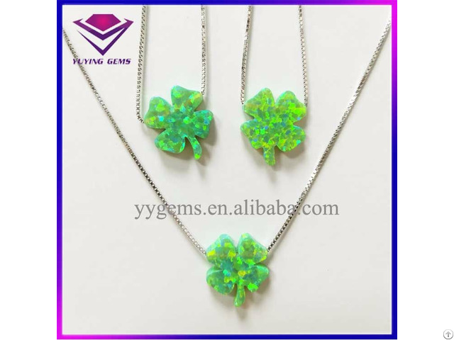 Popular Green Clover Shape Opal Bead Silver Pendant Necklace