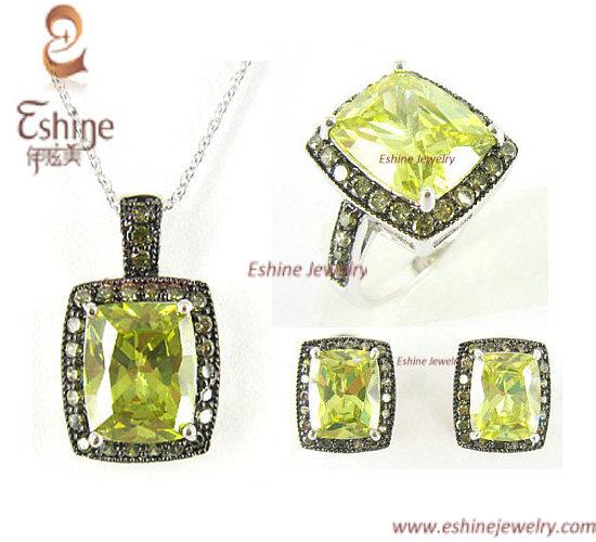 2014 Fashion Brass Jewelry Set With Cushion Peridot Cz Stones Party