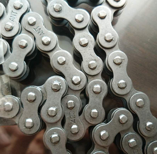 420 Motorcycle Chain Roller Transmission 45mn 40mn Materail