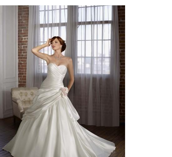 A Line Organza Strapless Wedding Dress With Flattering Pleats A06