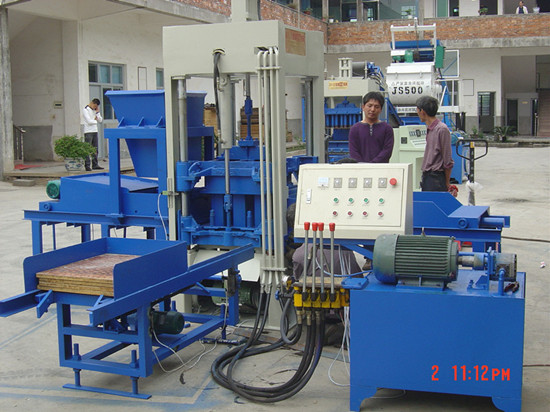 Block Making Machiney