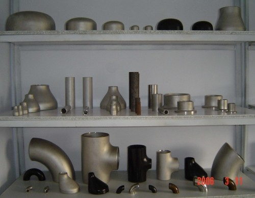 Carbon Steel Pipe Fittings Tee Elbow Cap Cross Flange