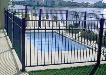 Choose The Right Aluminum Pool Fences