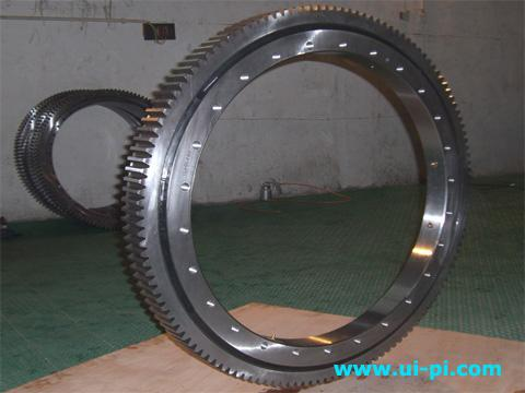 Four Point Contact Ball Slewing Ring E 505 20 00 B