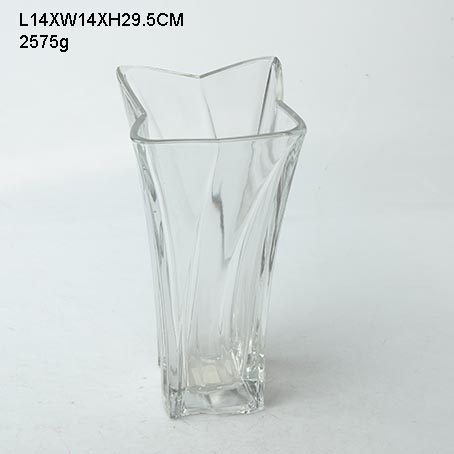 Glass Vase In Reasonable Price