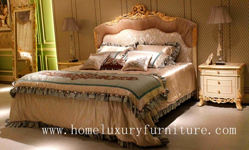 King Beds Classic Bed Royal Luxury Solid Wood Supplier Italy Style Fb 168