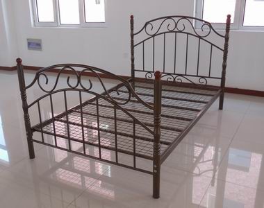 Modern King Size Metal Bed
