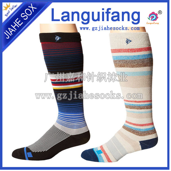 New Style High Quality Custom Logo Football Nylon Socks