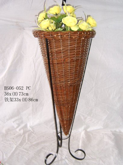 Sell Willow Basket Wicker Garden Vase Planter Decorations Zinc Flower Pot Planters Wood