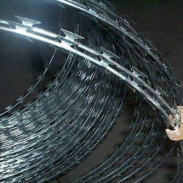 Single Coil Razor Barbed Wire Cbt65 2 5mm Core Diameter