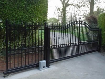 Tracked And Cantilever Sliding Gate For Space Saving