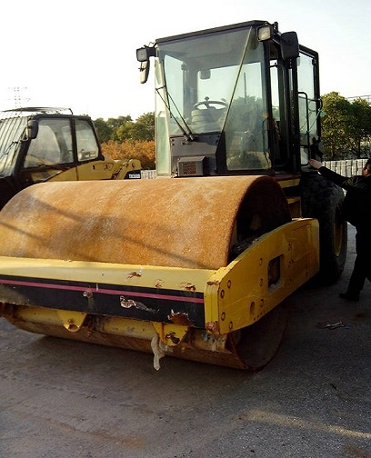 Used Cat Cs563e Roller
