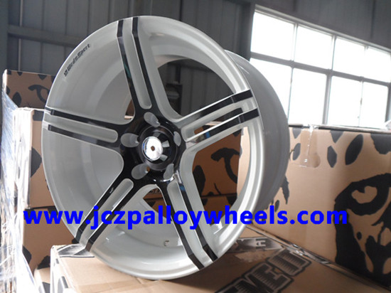 White Sport Car Alloy Wheels 18x8 5