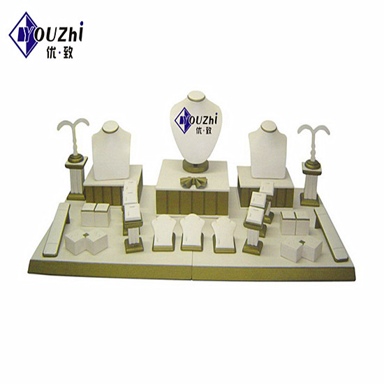Wood And Acrylic Jewelry Display Stand Supplier