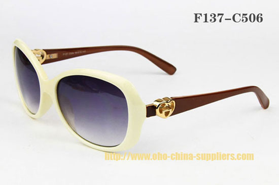 2013 Fashionable Oho Plastic Sunglass 2