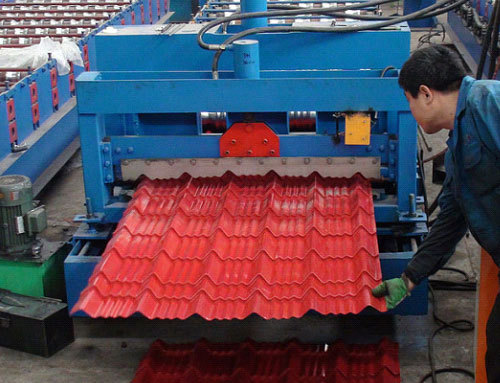 C44 Roof Desk Forming Machine Operation