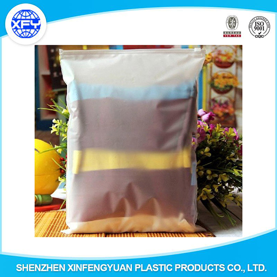 Customized Plastic Shopping Bag With Zipper For Packing Cloth