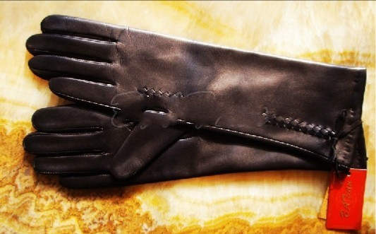 Fashion Long Leather Glove With Black Color And Wool Lining