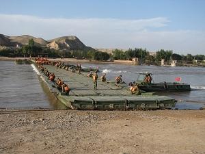 Hz Ribbon Pontoon Bridge Military Heavy Equipment