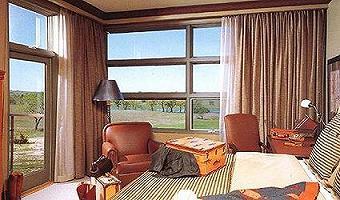 Motorised Retractable Curtain Ae1300