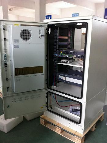 Outdoor Telecom Cabinet With Cooling Solution