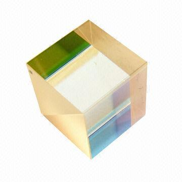 Pbs251 Polarization Beam Splitter Cube With 1000 1 Extinction Ratio