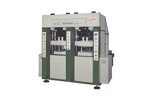 Sell Vertical Plastic Injection Moulding Machine Kou Yi