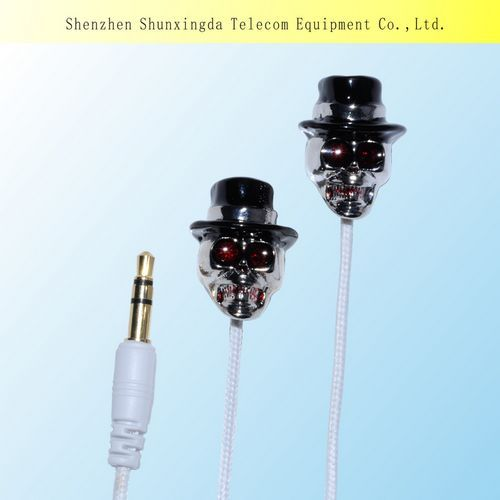 Sxd Newest Design In 2014 Fashion Metal Skull Mobile Earphone With Mic