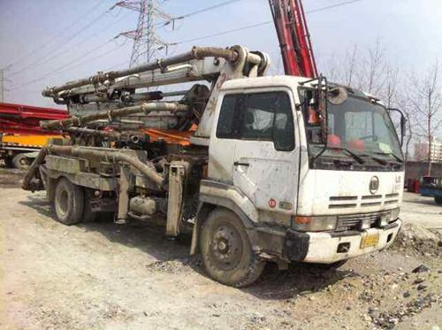 Used Mitsubishi Truck Mounted Concrete Pump 30m 99